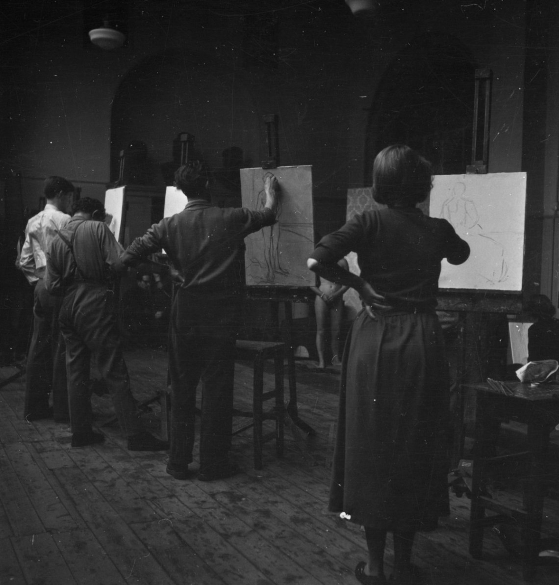 Students drawing from life in the Royal Academy Schools 1953., March 1953