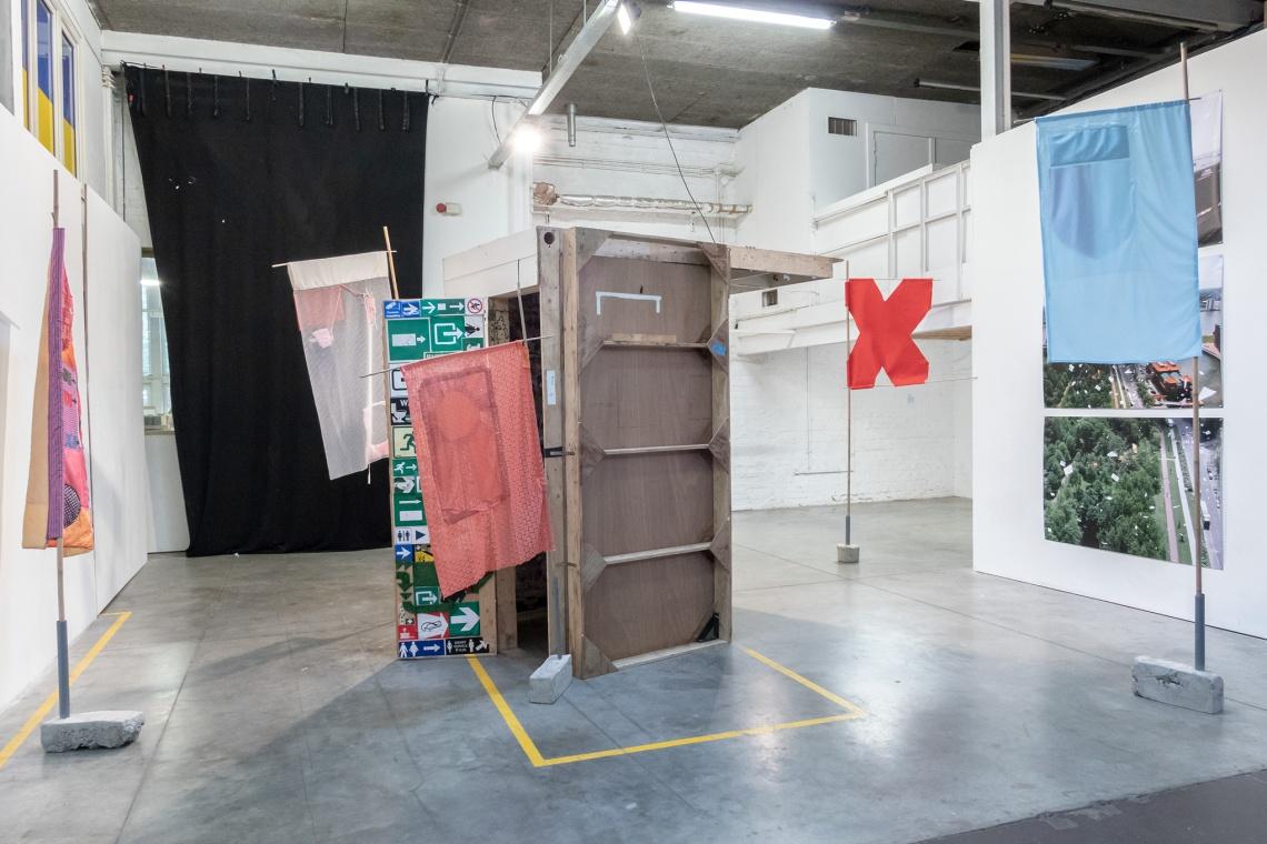Civil Disobedience, In De Ruimte, Franse Vaart 28, Gent (18:05 - 03:06) _ Overzicht tweede zaal _ Met werken door Marijs Kempynck en Ontroerend Goed _ Foto's door www.studioyzebaert.com